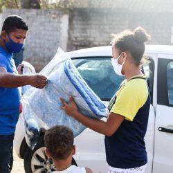 Prefeitura de Ferraz intensifica doação de cobertores